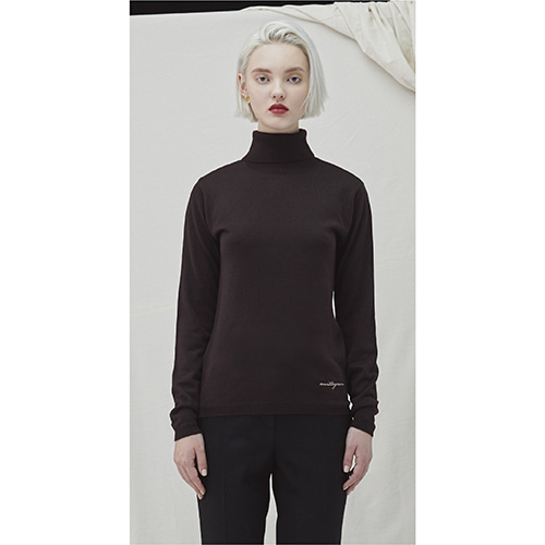 Embo Turtleneck - brown