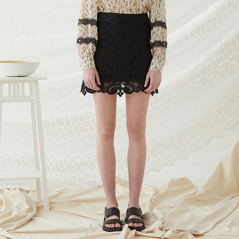 Lace Mini Skirt - Black