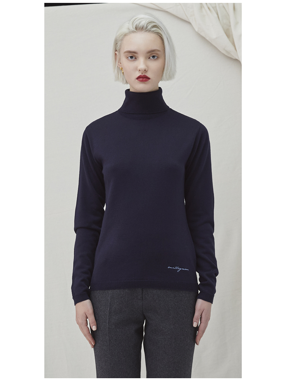 Embo Turtleneck - navy