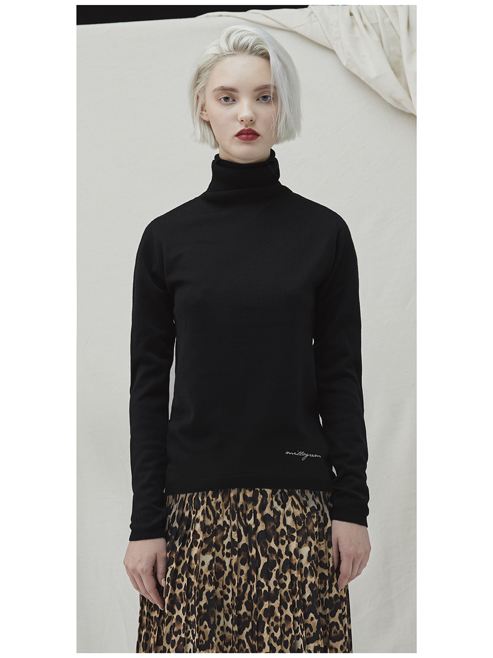 Embo Turtleneck - black