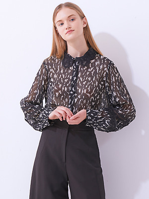 Lace Tag Blouse - Black